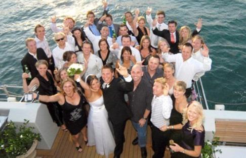 Düğün organizasyonunda misafirler